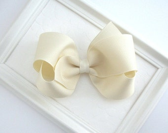 Ivory Off White Hair Bow, Ivory Girls Boutique Hair Bow, Flower Girl Hair Accessory, First Communion Bow, 4 Inch Bow