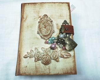 Shabby vintage junk journal