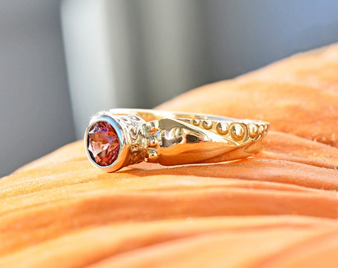 Elegant Pink Tourmaline Solitaire Ring in 14kt Yellow/White Gold
