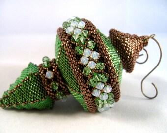 Pattern / Tutorial Beaded Christmas Ornament