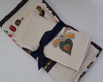 Vintage Pennsylvania Dutch Folk Art Linen Tablecloth With 4 Napkins