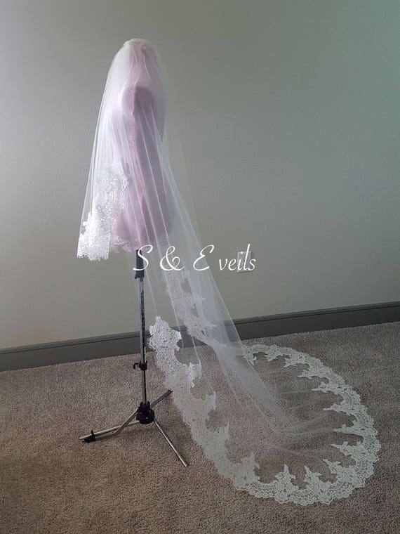 2 Tier Veil with lace | wedding veil