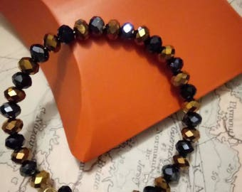Shiny dark blue and gold beaded cuff bracelet, memory wire, bead,