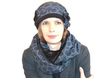 grey headband with dots