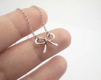 Kleine Schleife Halskette, Sterling Silber - für sie, Mutter, Geschenk Jahrestag Hochzeit Brautjungfer, süße zarte Fine Jewelry