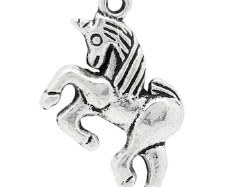 1 charm in the shape of horse Unicorn 17 * 20