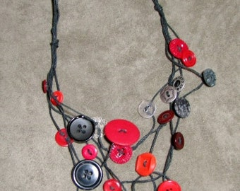 Red/black Vintage Button necklace