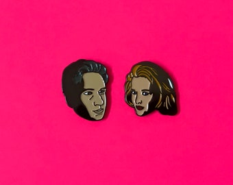 Mulder & Scully, X Files Pins.