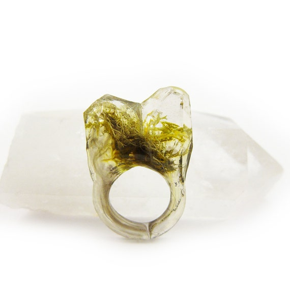 Smoke Moss Resin Ring • Size 5.5