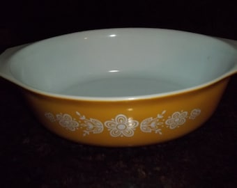 Golden Butterfly Pyrex  2 Quart Serving Dish