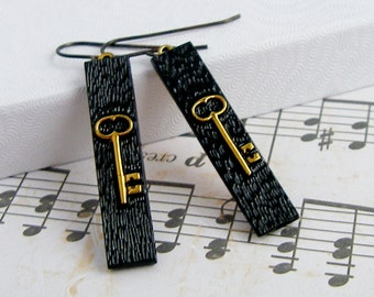 Skeleton Key - Vintage glass earrings