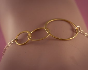 Three Sisters Bracelet, Interlocking Circles, Gold Plated, Eternity, Family, Past, Present, Future, Mother, Grandmother  Necklace,