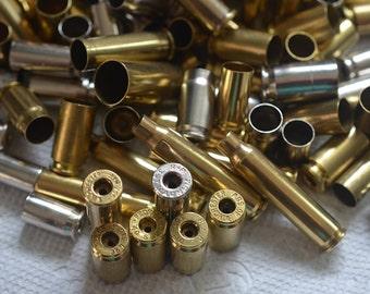 Gros Lot de 100 douilles coquille assorties avec un seul trou sur la fin pour les bijoux et de fabrication artisanale. Pendentifs de balle... Lot de 2