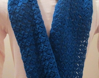 Hand-Crocheted Moebius Ring Cowl/Scarf in Organic Wool