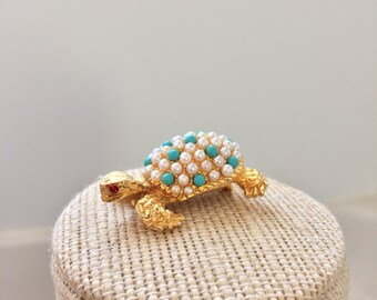 Adrienne Vittadini costume turtle pin