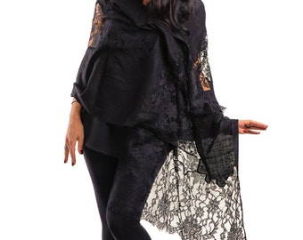 Exquisite Black Pashmina Shawl with Black Chantilly Lace Panels