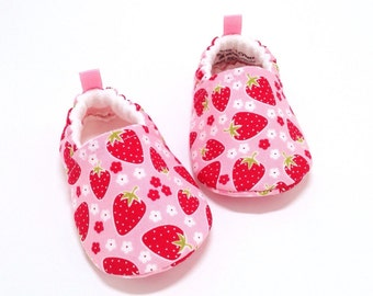 Strawberry Baby Shoes, Soft Sole Baby Shoes, Pink Baby Booties, Toddler slippers, baby shoes girls, baby girl gift, baby shower gift