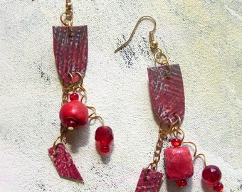 Red hot dangle upcycled artist palette in winter colors