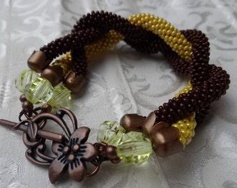 Brown/yellow beaded bracelet