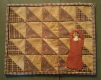 Primitive Handmade Candlemat With Wool Basket