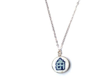 Genuine silver necklace with Delft Blue House. Fine silver chain with hand embroidered hanger. 925 silver necklace