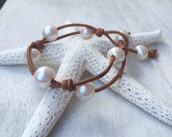 leather pearl bracelet, pearl bracelet, freshwater pearl jewelry, pearls on leather, leather and pearls, pearls, leather bracelet, gift for