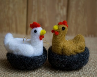 Christmas Tree Decor, Felt Ornament Needle Felted Chicken  Hen felted wool Chicken ornament Toy on the Christmas tree Tree Ornament Wool Hen