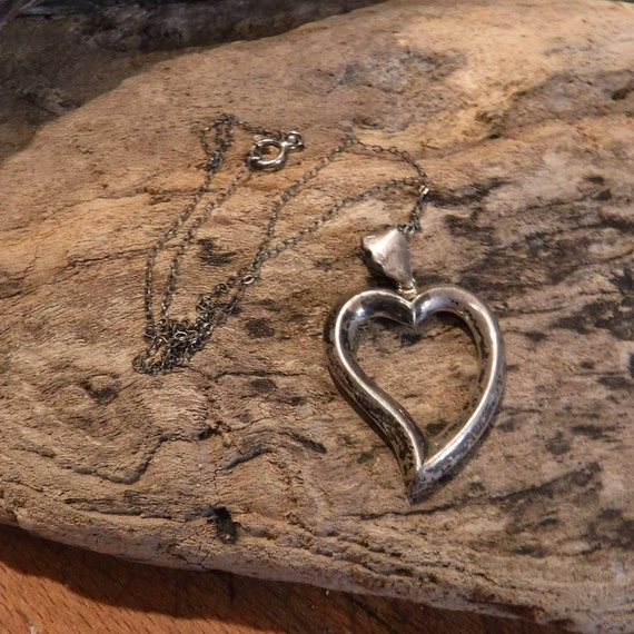 """Vintage Sterling Silver Heart Pendant Necklace 17"""" Heavy 4.2 Grams Stamped 925 Sterling Silver Large Open Heart Pendant 1.1/16"""" x 1. 3/4"""""""