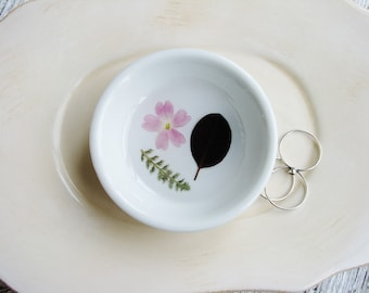 Flower and Leaf Ring Dish, Pink Ring Dish, Jewelry Organizer, Flower Ring Dish, Pressed Flowers Dish, Trinket Holder, Naturalist Gift