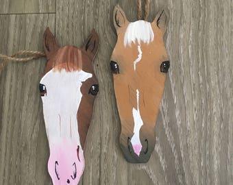 "Painted flanks horse ""selfie"" style horse portrait ornament"