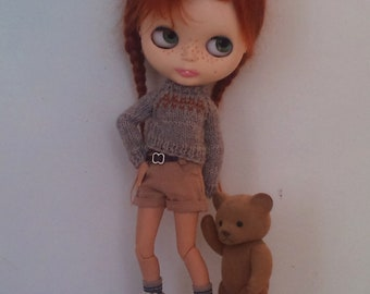 Grey sweater and short pants for Blythe or Pullip
