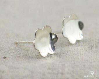 Silver Flower Earrings, Sterling Silver Earrings, Silver Stud Earrings, Simple Silver Earrings, Everyday Earrings, Silver Post Earrings
