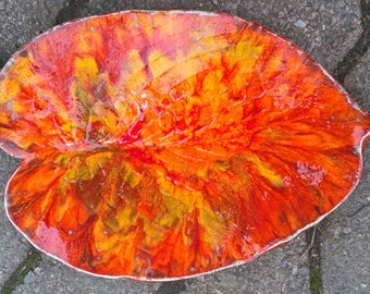 Beautiful variegated Leaf Dish