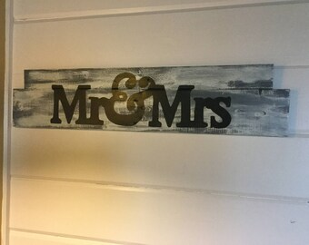 Mr and Mrs wall sign Master Bedroom wall sign, Mr and Mrs over the bed sign,nautical wall decor, Shabby Chic wall decor, Cottage decor