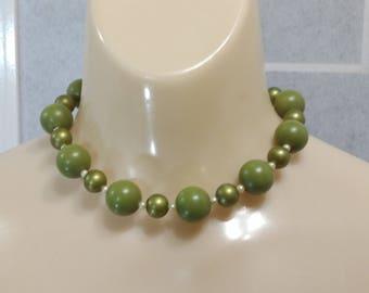 Vintage 60's necklace plastic round beads choker kitsch chunky rockabilly
