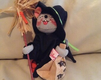 Vintage 94 Annalee Halloween Witch Mouse Collectable
