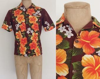 1970's Hawaiian Hibiscus Floral Mens Button Up Shirt