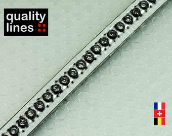 X 18CM - 8mm flat leather silver with Rhinestones (18cm is enough to make a bracelet up to size XL)