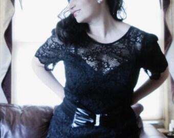 Fabulous Vintage Black Lace Little Black Dress  / Low Cut Back / Size Medium to Large / Modern 8 10 Womans