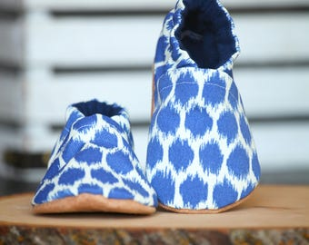 Blue Spotted Canvas Crib Shoes, Baby Booties, Baby Shower