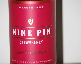 Nine Pin Strawberries & Cream Scented Soy Candle