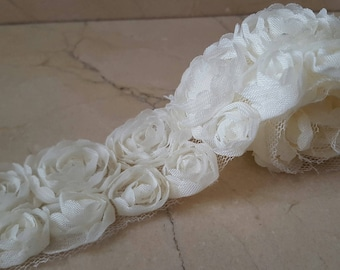 90 cm of Ribbon lined lace ivory organza flowers