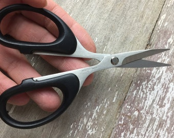 Best ever bezel wire scissors! Precision-cut fine silver bezel wire up to 26 gauge