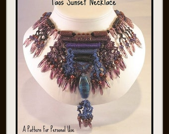 Beading instructions Taos Sunset Necklace peyote stitch intermediate level tutorial pattern with fringe by Hannah Rosner