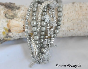 bridal floral bracelet Bohemian Brides, Pearl Bracelet with hand crocheted daisies and glass pearls