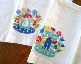 In The Flower Garden Towels / Mr and Mrs / Tea Towels / Man And Woman / The Garden / Cotton Towels / Dish Towels / Kitchen Towels