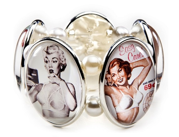 SALE - Vintage Bras Five-Cameo Stretch Bracelet