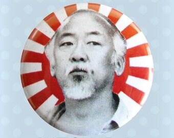 M. Miyagi - le badge de Karaté Kid des années 1980-1 pouce