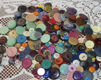 """Vintage Bulk Over 10 oz 250 Mix Colored Buttons  3/8 to 1 1/16""""  Lot 1887"""