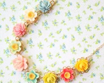 Girls Flower necklace, Flower Girl Necklace, Girls Necklace, children's jewelry, Flower necklace, Pastel Necklace